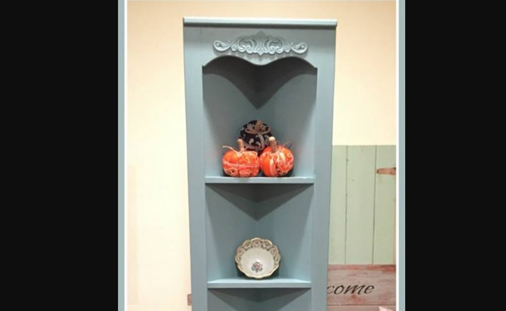 Painted corner shelf by Paint This & That Creations