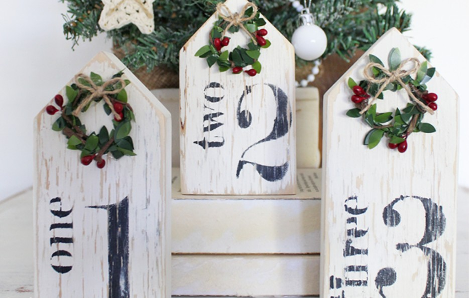 Painted Christmas numbers by Raggedy Bits