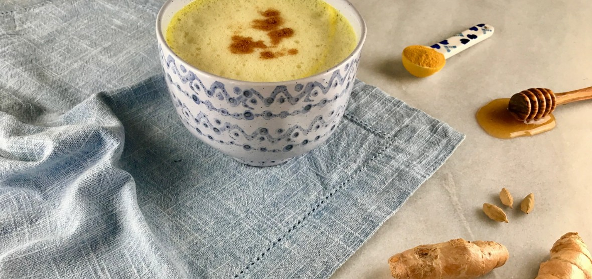 Turmeric latte with honey